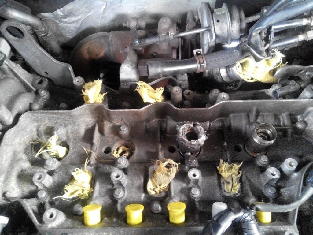 Renault trafic 2.0 dci injektor kiszerelés hidraulikus célszerszámmal