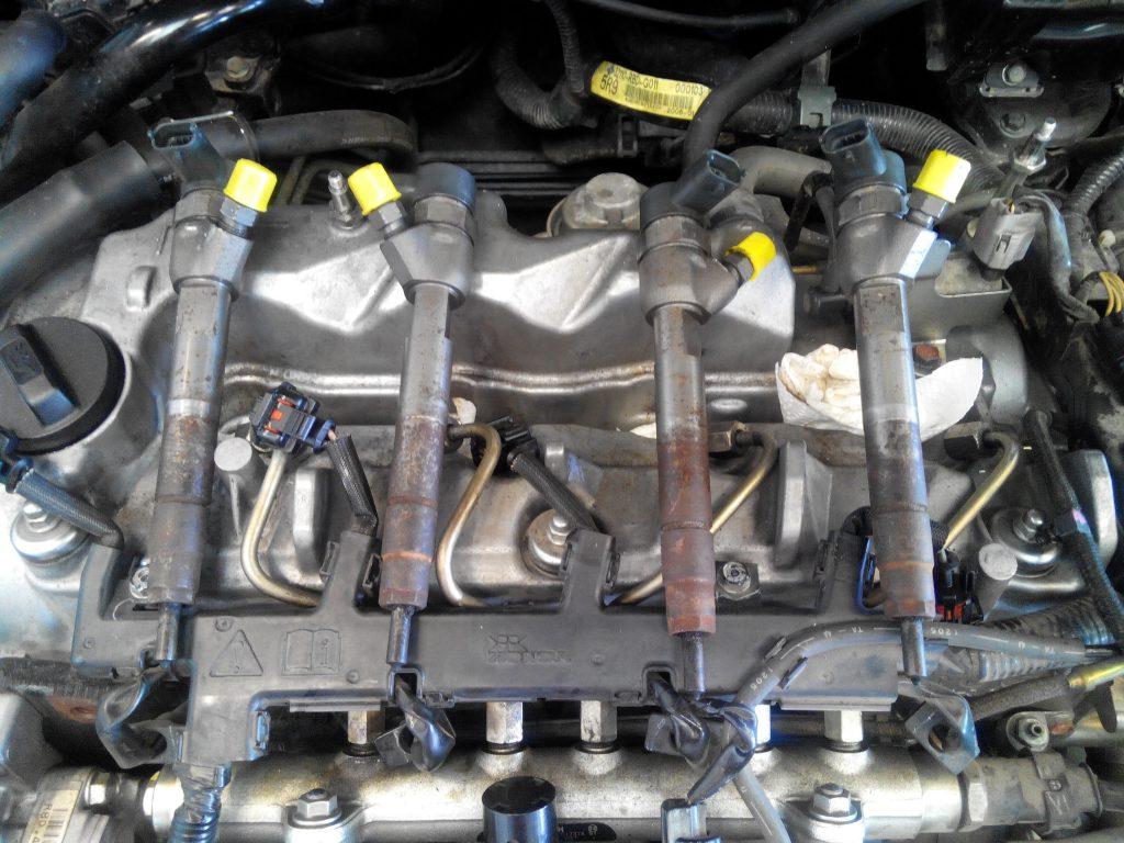 Honda Accord 2.2 crdi porlasztók kiszerelve