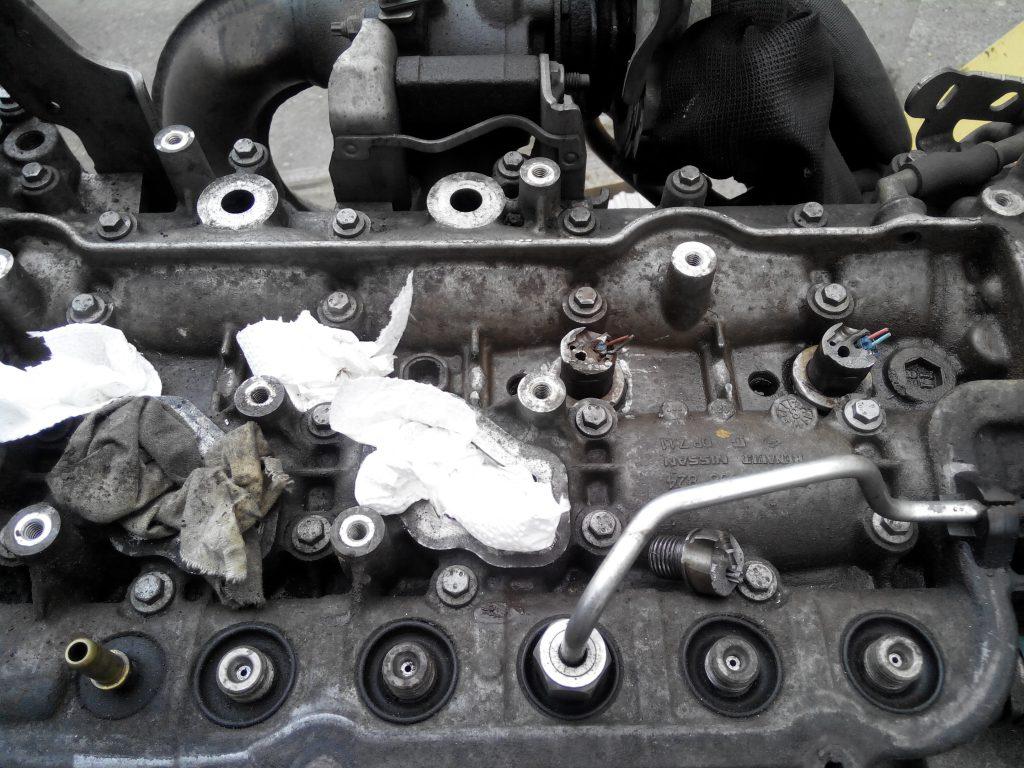 Nissan primastar 2.0 motorból törött injektor kiszedés