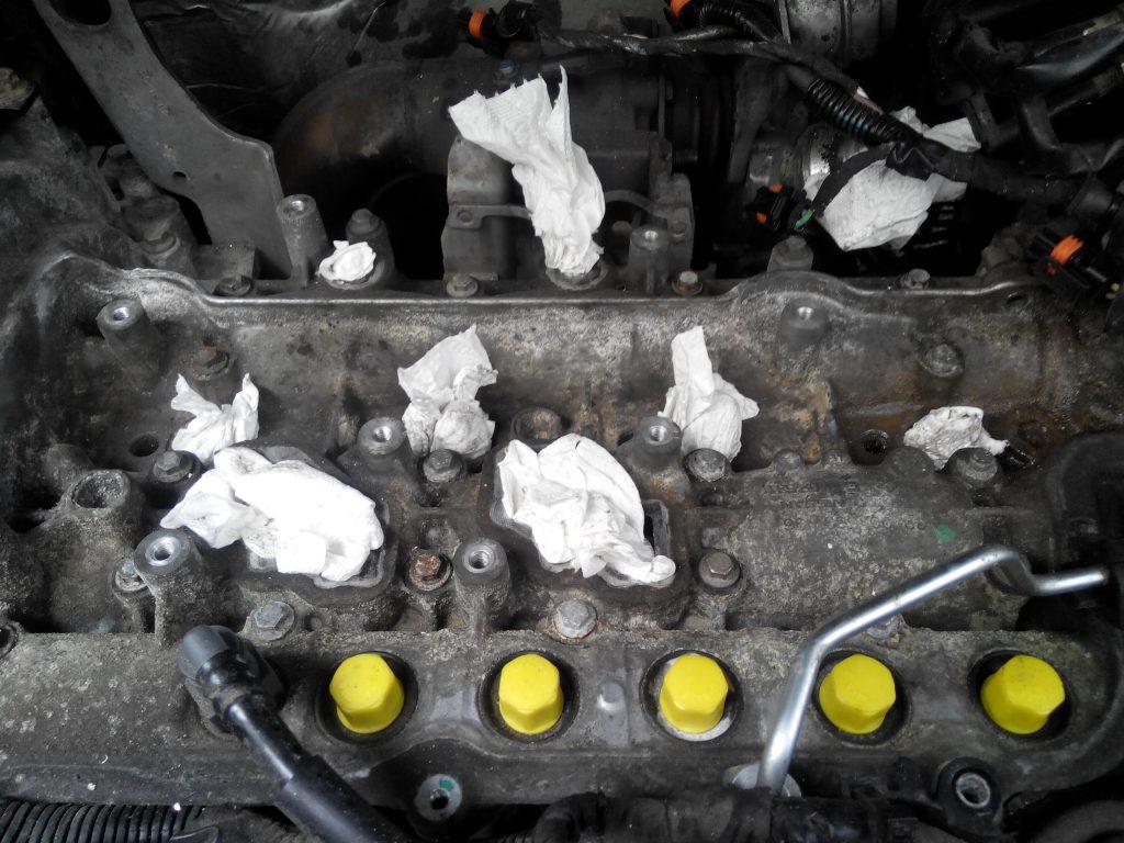 Szokásos renault trafic 2.0 Dci motor. Piezzós porlasztóval szerelték az összes 2010 előtti modelleket.